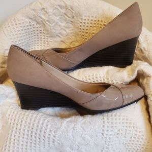 Tan colored Life Stride heels with memory foam